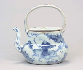 A blue and white wine ewer for the Japanese Market, Tianqi