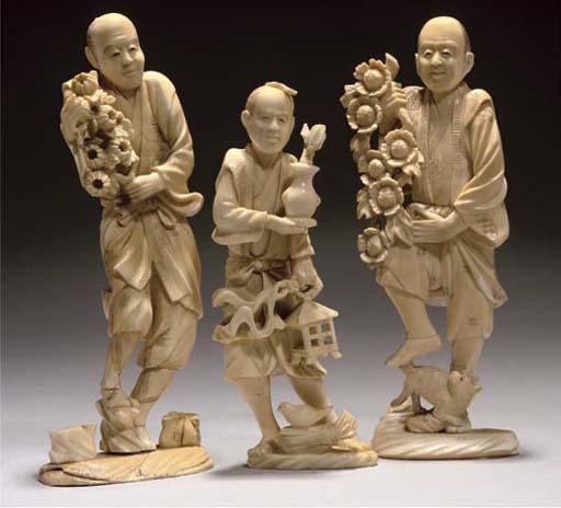 Three Japanese ivory okimono o