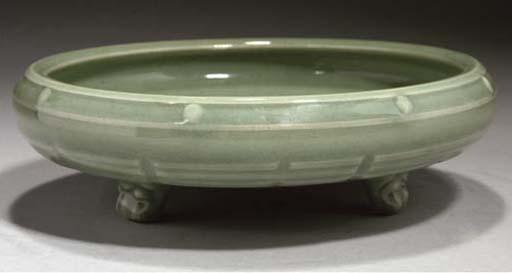 A Chinese 'Longquan' celadon g