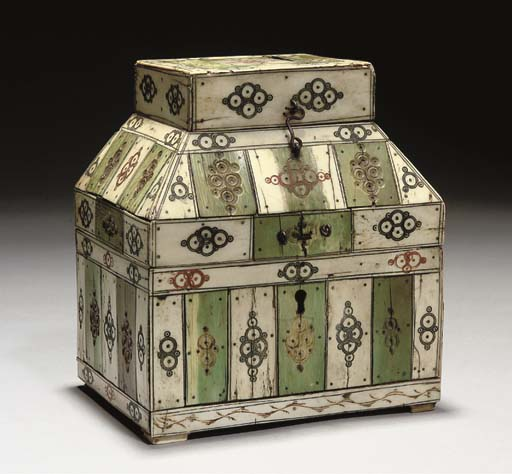 AN IVORY AND BONE CASKET, 19TH