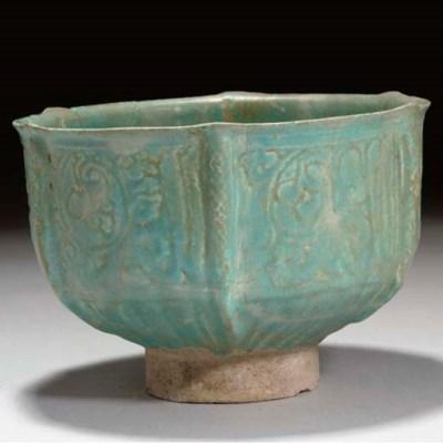 A Nishapur turquoise-glazed po