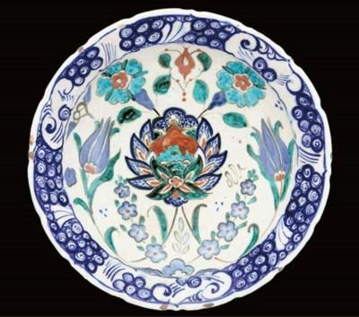 An Iznik style pottery dish, 2