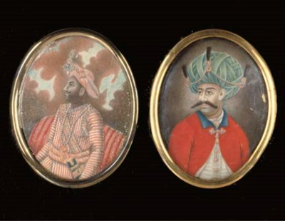 TWO OVAL PORTRAIT MINIATURES O