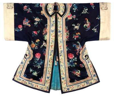 A BLUE INFORMAL ROBE AND APRON