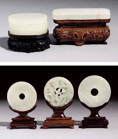 Five carvings of white and pal