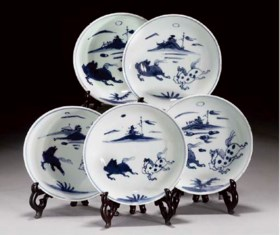 A part set of Chinese blue and white saucer-dishes, Tianqi