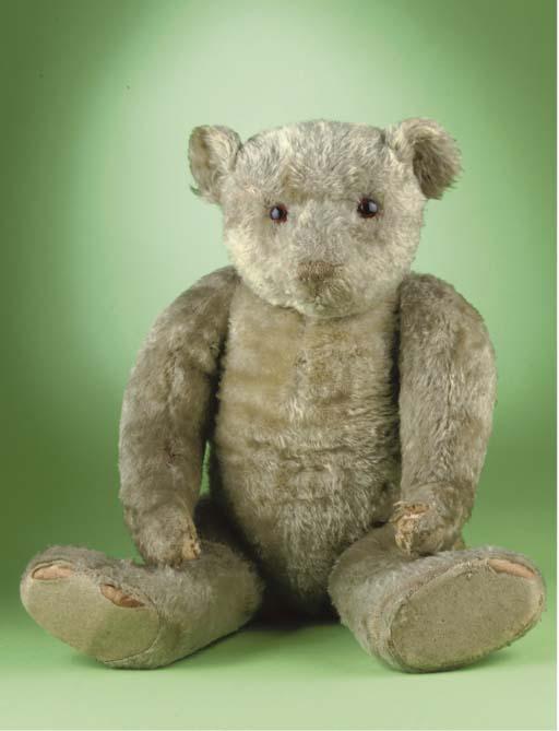 An unusual Farnell-type teddy