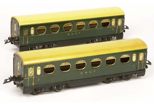 Trains Hornby mixed four-axle lithographed French passenger rolling stock