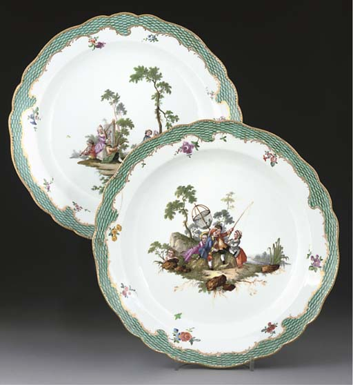 A PAIR OF MEISSEN CIRCULAR DIS