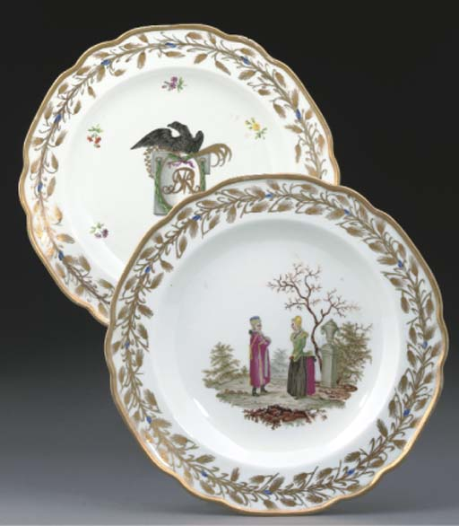 TWO PAIRS OF VIENNA PLATES