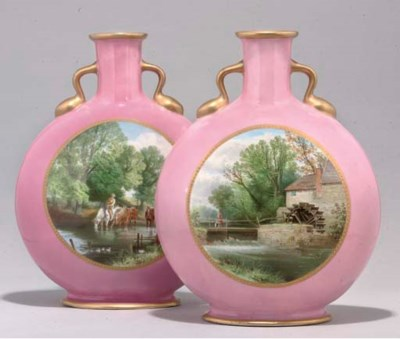 A PAIR OF ENGLISH PORCELAIN PI