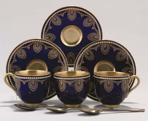 A ROYAL WORCESTER CASED DEMI-T