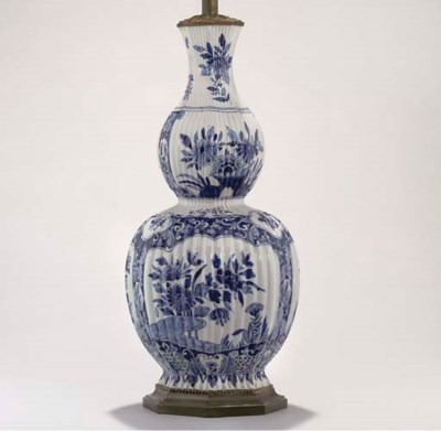A DELFT BLUE AND WHITE DOUBLE-