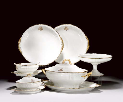 A HAVILAND LIMOGES WHITE AND G