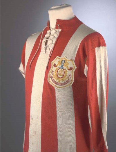 A RED AND WHITE SUNDERLAND 191