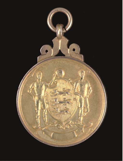 A 9CT GOLD 1953 F.A.CUP WINNER