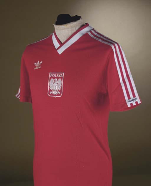 A RED POLAND INTERNATIONAL SHO