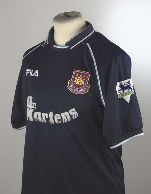A BLUE WEST HAM UNITED SHORT-S
