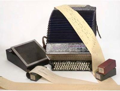 A Hohner Magic Organa automati