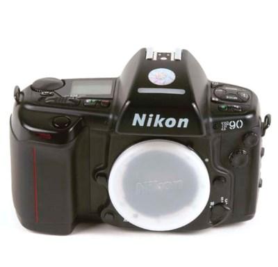 Nikon F90 no. 2076722