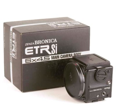 Bronica ETRSi outfit