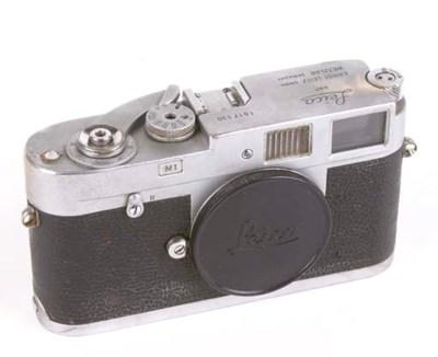 Leica M1 no. 1017130