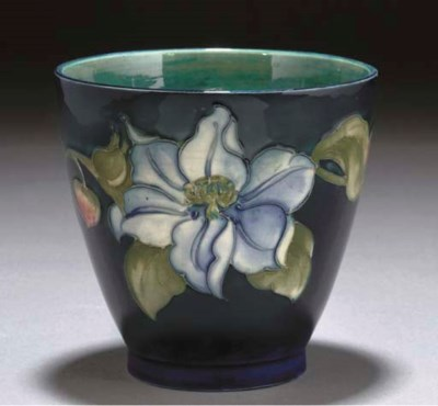 A MOORCROFT POTTERY CLEMATIS P