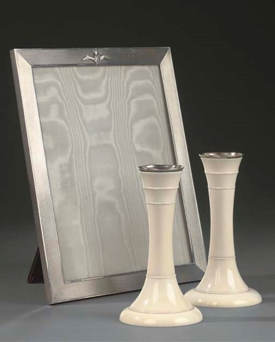 A PAIR OF ART DECO IVORY CANDL