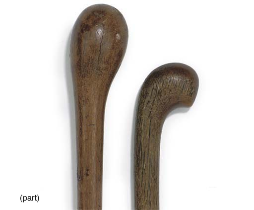 A HORN WALKING STICK, PROBABLY