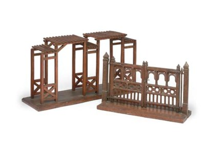 A PINE MODEL OF A PAIR OF GATE