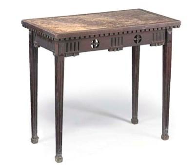 A PROVINCIAL OAK CENTRE TABLE