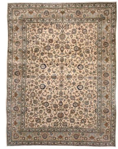 A fine Alaii kashan carpet, Ce