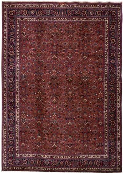 A fine Saber Meshed carpet, No