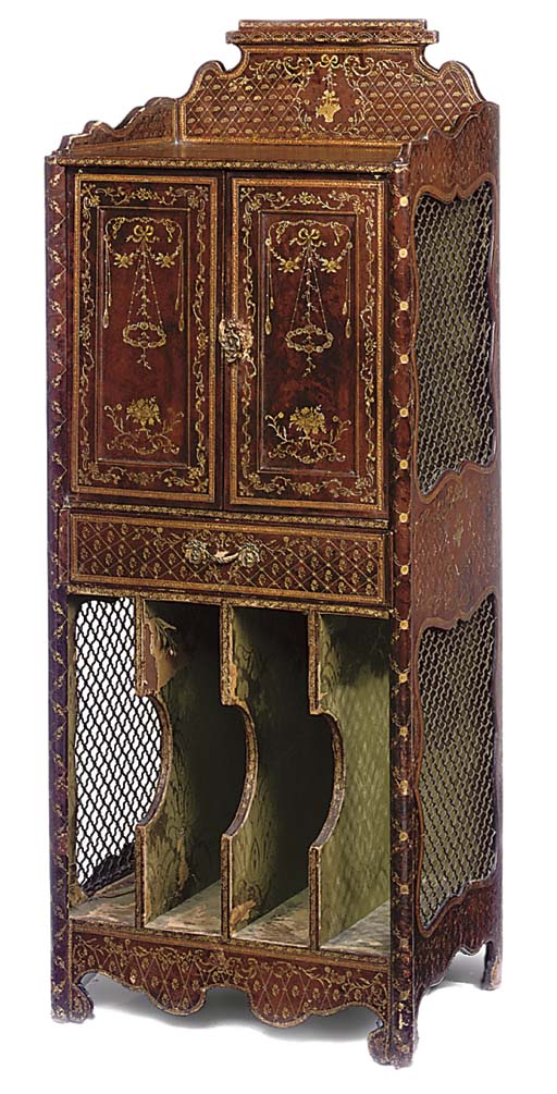 A FRENCH GILT TOOLED LEATHER COVERED MUSIC CANTERBURY