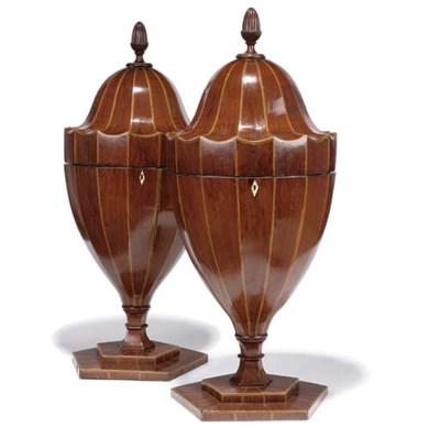 A PAIR OF EDWARDIAN MAHOGANY V