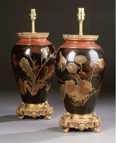 A PAIR OF LACQUER VASES