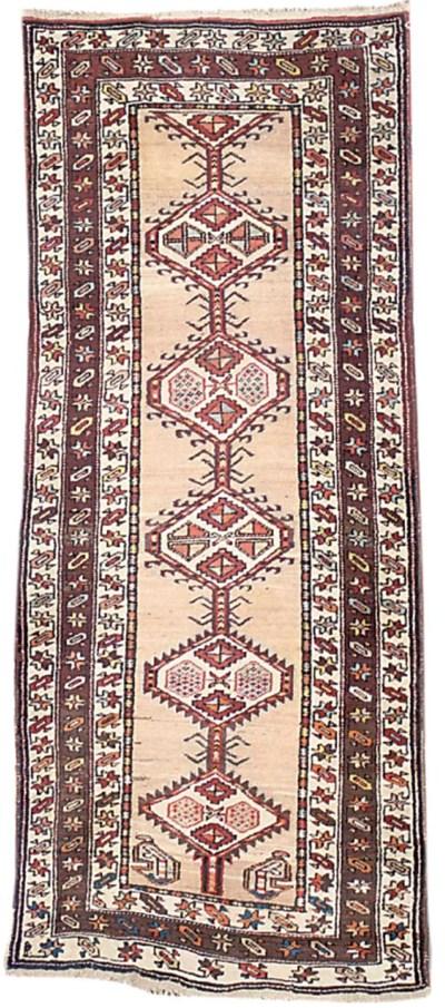 A similar Serab long rug
