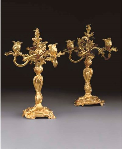A PAIR OF GILT BRONZE THREE-LI