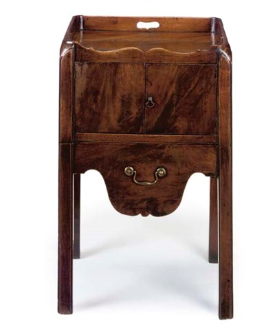 A GEORGE III MAHOGANY TRAY TOP