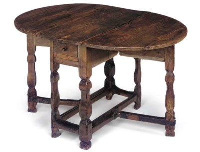 A DUTCH PINE GATELEG TABLE