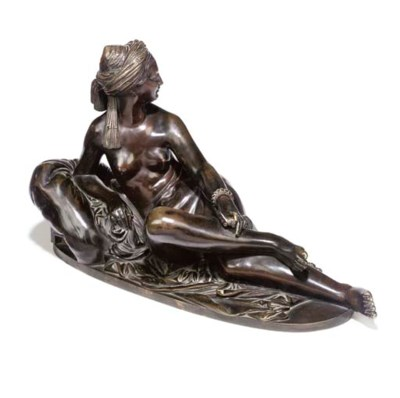 A FRENCH BRONZE FEMALE FIGURE