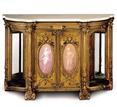 A VICTORIAN GILT COMPOSITION D