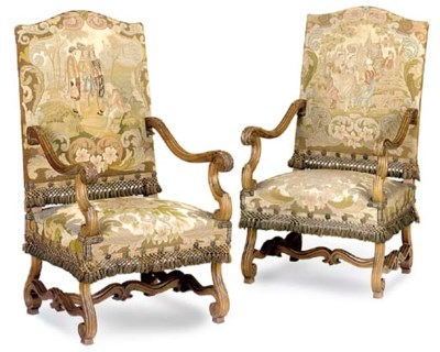 A PAIR OF FRENCH PARCEL GILT W