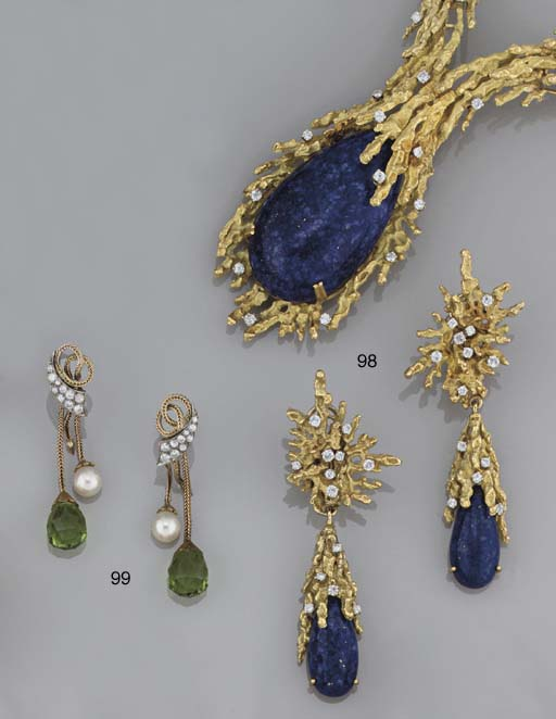A lapis lazuli and diamond necklace and matching earpendants