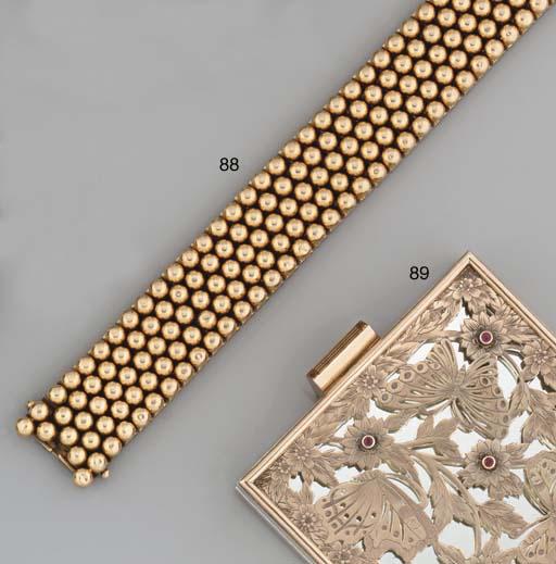 A flexible bracelet