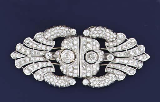 An Art Deco diamond double cli