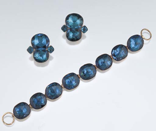 A pair of 18th century blue pa