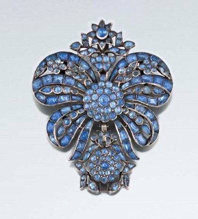 An 18th century paste pendant