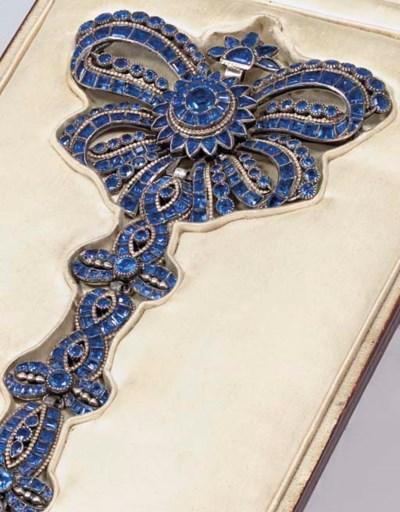 An 18th century blue paste pen