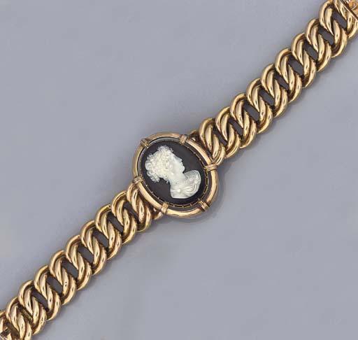 A hardstone cameo bracelet